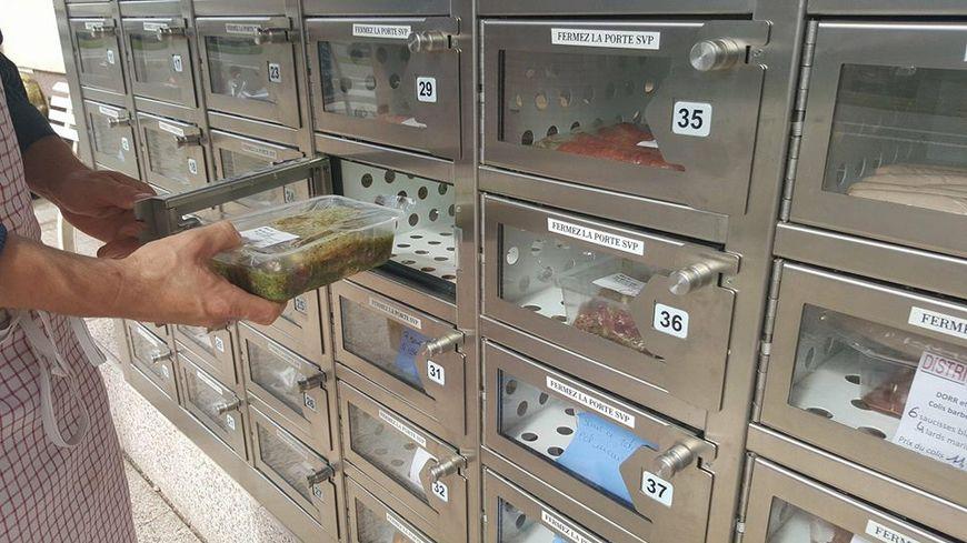 Les viandes ou plats préparés sont frais et renouvelés régulièrement. L'appareil est ouvert 24h/24 et 7 jours sur 7.