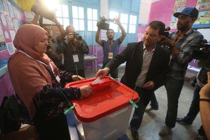 Les policiers et miltaires tunisiens ont voté par anticipation dimanche dernier