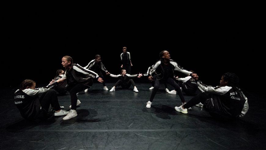 Les huit jeunes danseurs sélectionnés pour Los Angeles