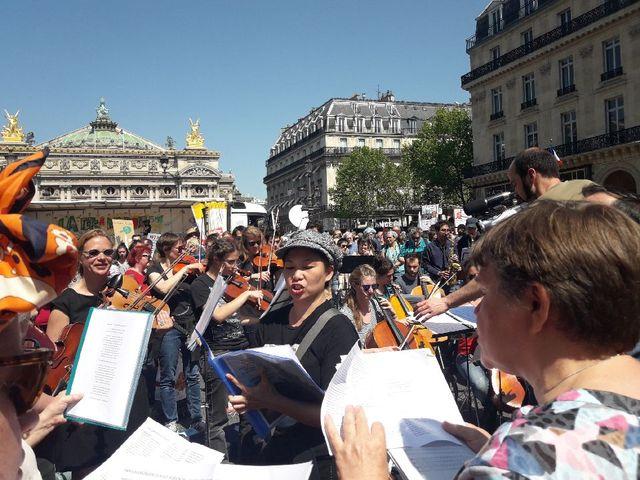 L'Orchestre debout à la Fête à Macron