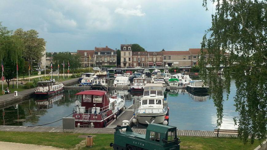 Le port de France, à Toul, peut accueillir une soixantaine de bateaux
