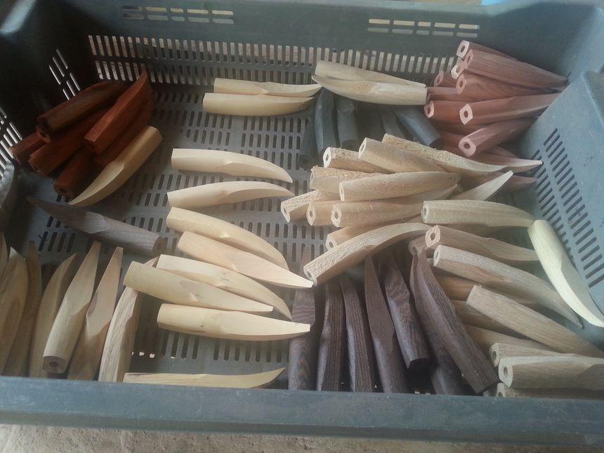 Des manches en bois