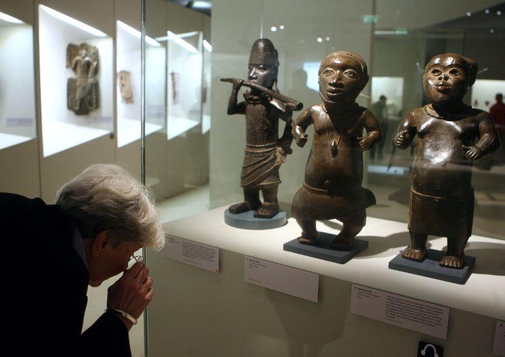 Des statues béninoises exposées au musée du quai Branly à Paris, en 2007.