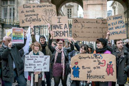 Une manifestation pour les mariages pour tous à Lyon en 2012