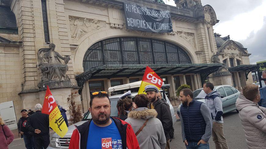 Les électriciens et gaziers ont rejoint les cheminots dans la manifestation de Limoges