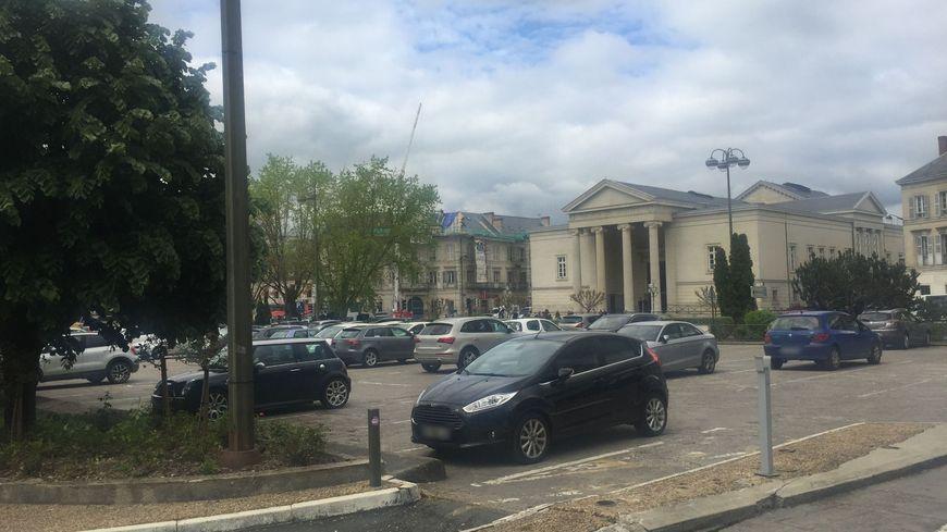 L'ancien parking Montaigne va fermer pour laisser place aux îlots commerciaux