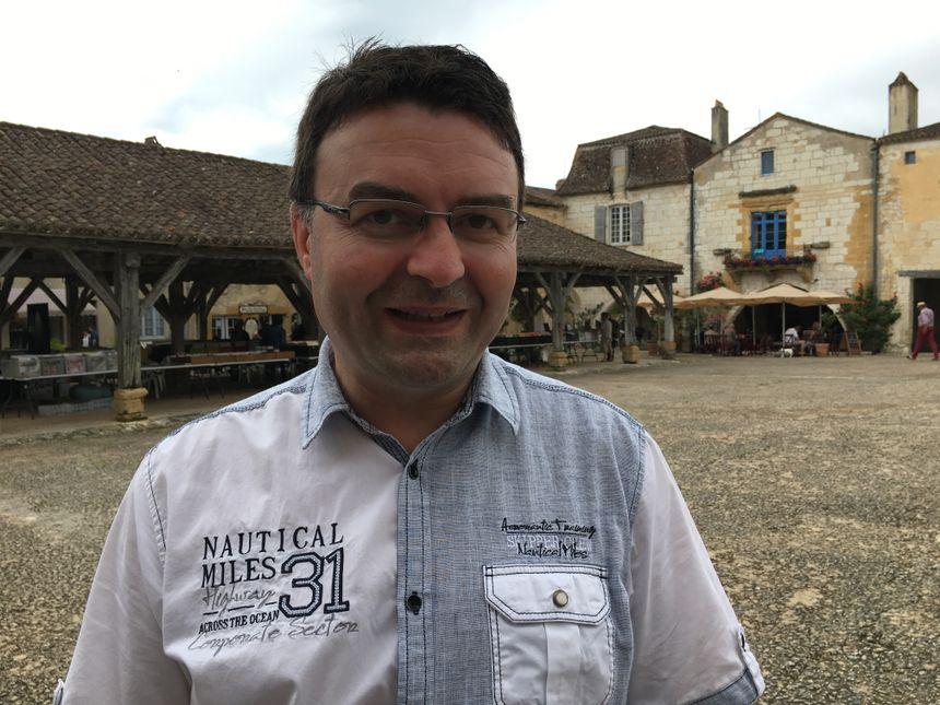 """""""Pierre Bellemare était très impliqué dans la vie du village"""", reconnaît le maire de Monpazier, Fabrice Duppi."""