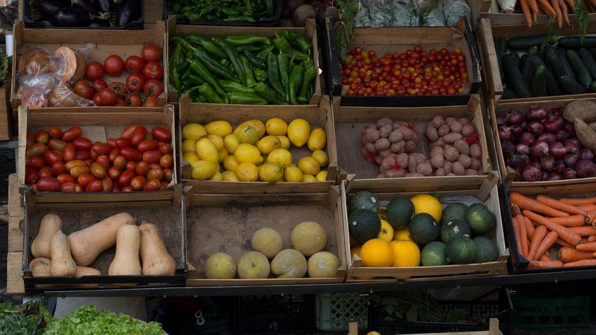 Le marché St Joseph à CFD: uniquement des producteurs qui fabriquent leurs produits.