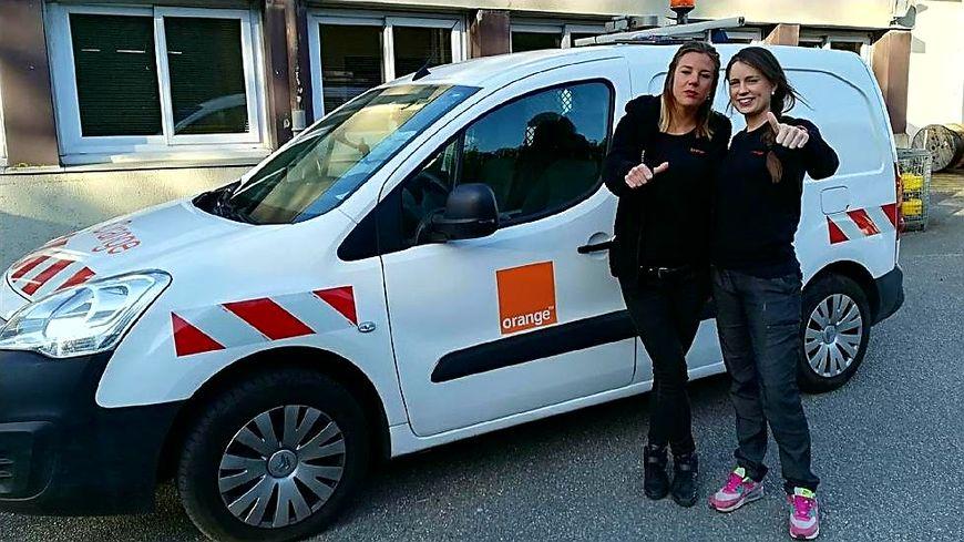 Isis Marie et Camille Tripon travaillent comme techniciennes chez Orange