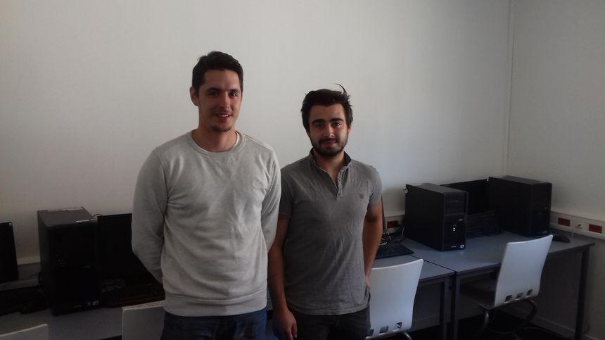 Kévin Pot (à gauche) et Quentin Rué (à droite), deux apprentis de l'Ecole de Gestion et de Commerce