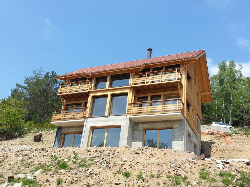 Des chalets sur trois étages trop visibles sur les hauteurs de Mulhbach-sur-Munster