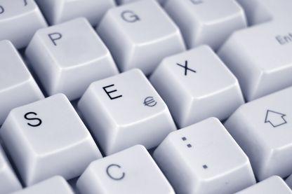 Un permis serait mis en place pour naviguer sur les sites pornographiques