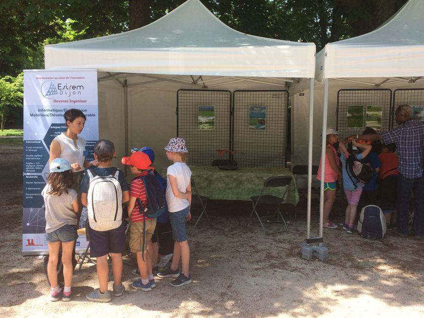 """En Côte-d'Or, le Festival """"Vivo! Entrez en Nature"""" permet au public d'aller à la rencontre des scientifiques pour évoquer les enjeux écologiques de demain."""