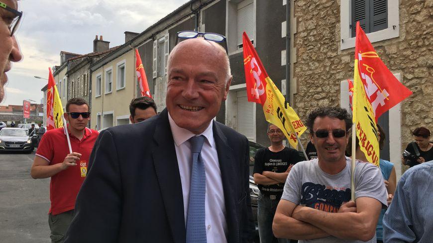Alain Rousset, le président de la région Nouvelle-Aquitaine, s'est expliqué ce matin face aux cheminots.