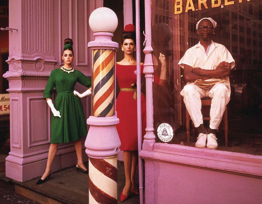 WILLIAM KLEIN Antonia + Simone + Barber Shop, New York, Etats-Unis, 1961