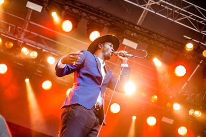 Le rappeur belge Baloji lors d'un concert à Bergen