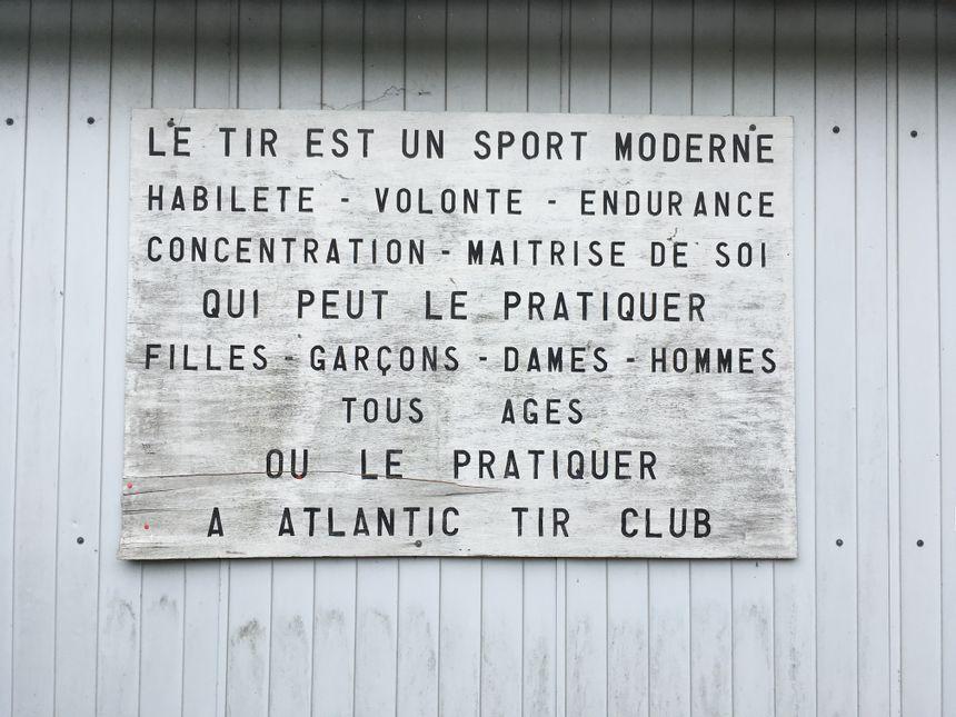 """""""Nos adhérents sont concentrés sur le tir, pas sur les armes"""". Josette Gélan, en charge de la formation à l'Atlantic tir club"""