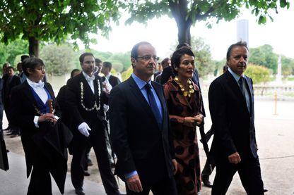 ournée commémorative du souvenir de l'esclavage et de son abolition, au jardin du Luxembourg en 2012. (de g à d) Le président François Hollande, Françoise Vergés et le président du Sénat Jean-Pierre Bel