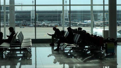 Épisode 1 : Ambassades, aéroports, bases militaires : aux limites de la souveraineté ?