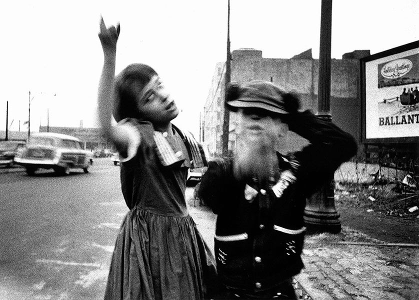 "William Klein, ""Dance in Brooklyn"", New York, Etats-Unis, 1954"