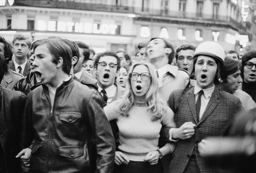 Une manifestation étudiante à Paris, le 30 mai 1968. Quelle place pour la femme ?