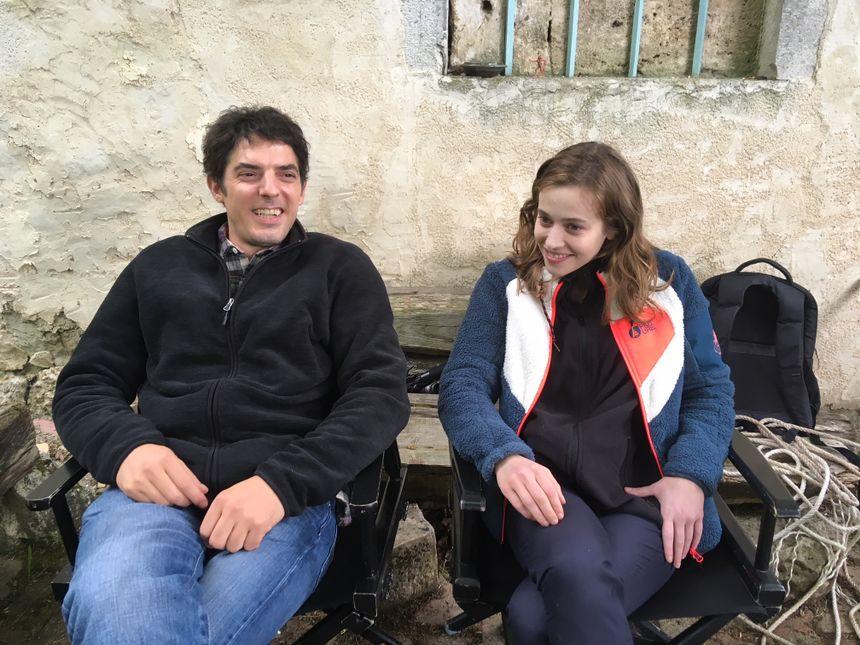 Damien Bonnard et Lou de Laâge sur le tournage à Saint-Laurent-en-Royans.