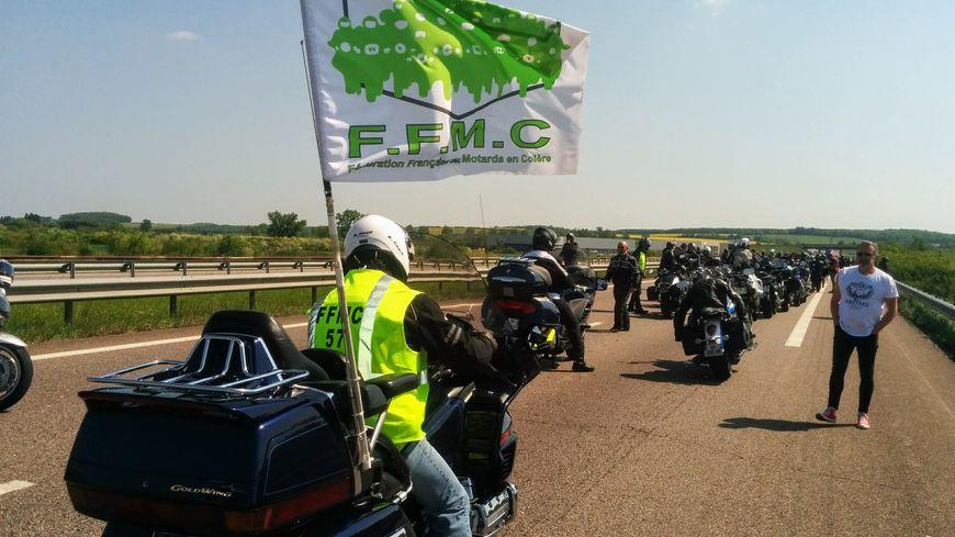 Plusieurs centaines de motards ont manifesté ce samedi sur l'autoroute A31 entre Metz et Nancy.
