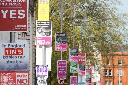 Les Irlandais se prononcent par référendum, vendredi 25 mai, sur l'abrogation d'un amendement à la Constitution interdisant l'IVG