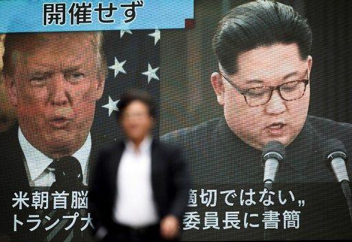 Les télévisions asiatiques, comme ici à Tokyo, réagissent à l'annulation par Donald Trump du sommet avec le dirigeant nord-coréen Kim Jong-un