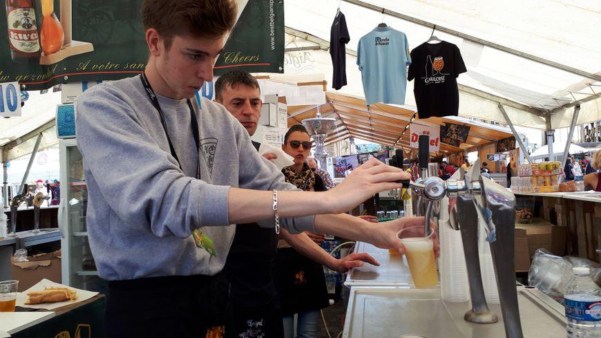 Plus de 130 bière à la pression étaient disponibles sur la place Ducale
