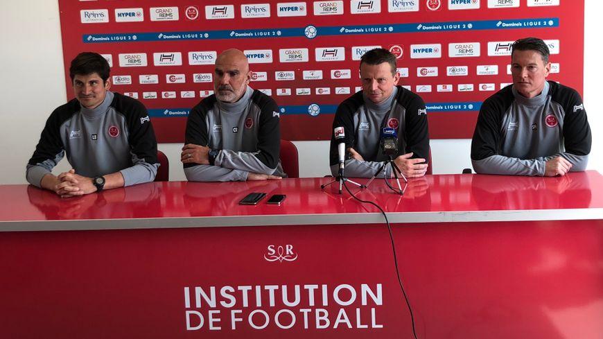 De gauche à droite, Laurent Bessière (responsable de la performance), Christophe Raymond (entraîneur-adjoint), Stéphane Dumont (entraîneur-adjoint), Sébastien Hamel (entraîneur des gardiens).