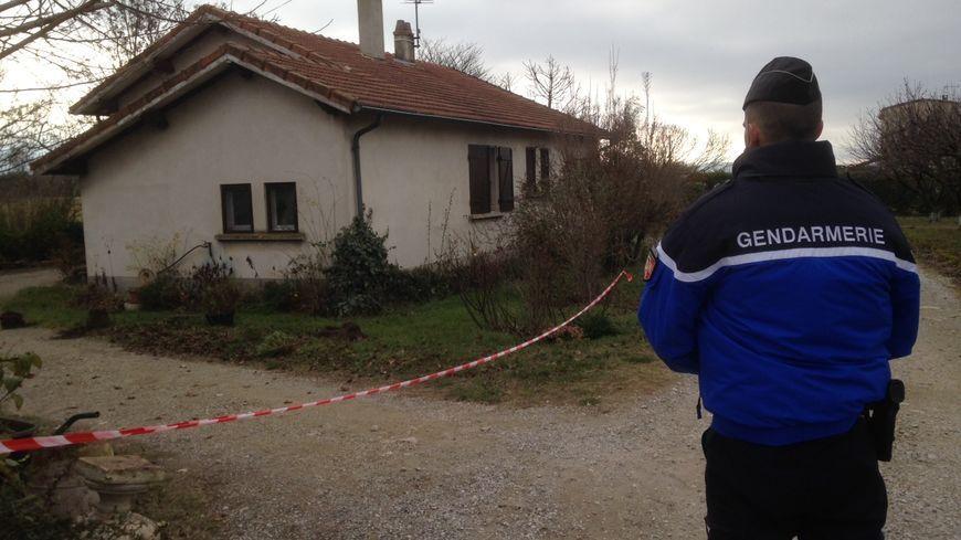 La maison de l'une des victimes à Chabeuil au lendemain des meurtres