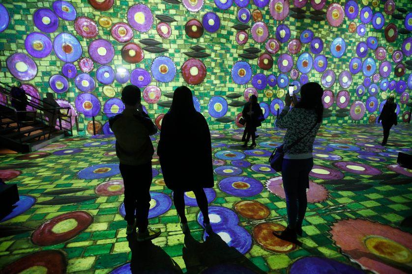 L'exposition immersive Klimt à L'Atelier des Lumières à Paris.