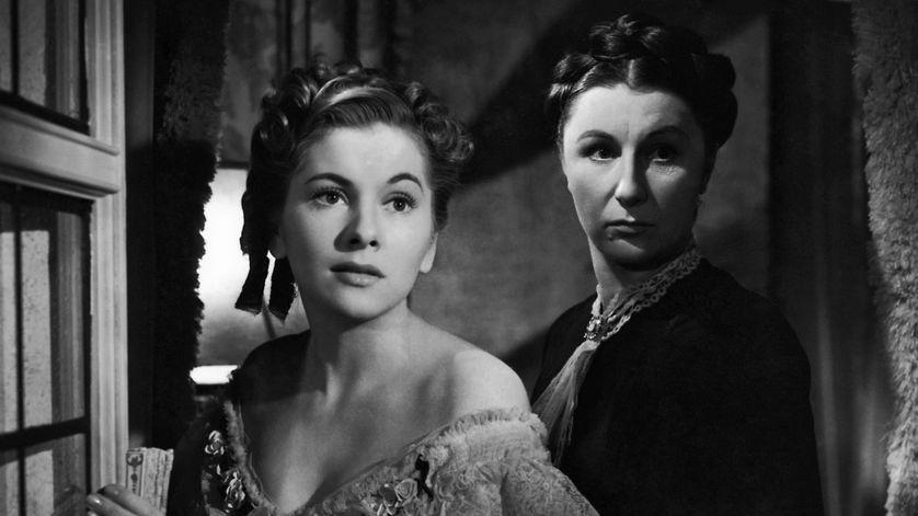 Photo extraite du film Rebecca de Alfred Hitchcock (1940), Joan Fontaine dans le rôle de la seconde Mme de Winter