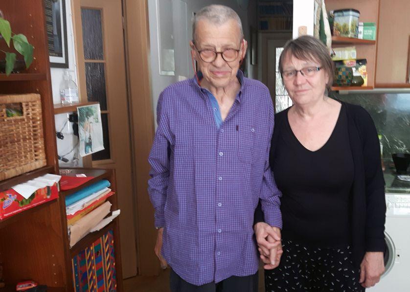 A écouter dans ce Magazine : Petr Uhl et sa femme Anna Šabatová. Il était debout sur les barricades de Paris et de Prague et a rédigé la Charte 77. Elle a cofondé le mouvement Charte 77