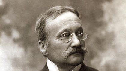 Arrigo Boito, compositeur, romancier et poète italien, né le 24 février 1842 à Padoue et mort le 10 juin 1918 à Milan
