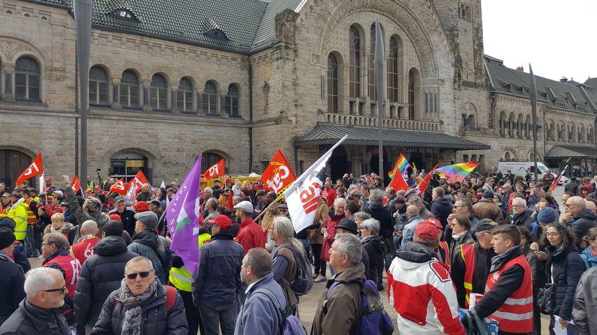 850 personnes se sont réunies à Metz, à l'occasion de la fête du travail du Travail et des travailleurs, ce 1er mai.
