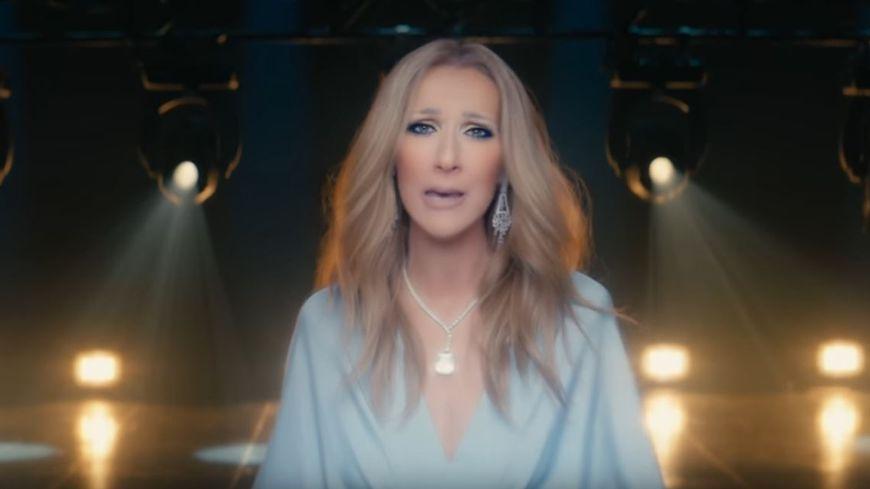 Céline Dion interpréte Ashes.