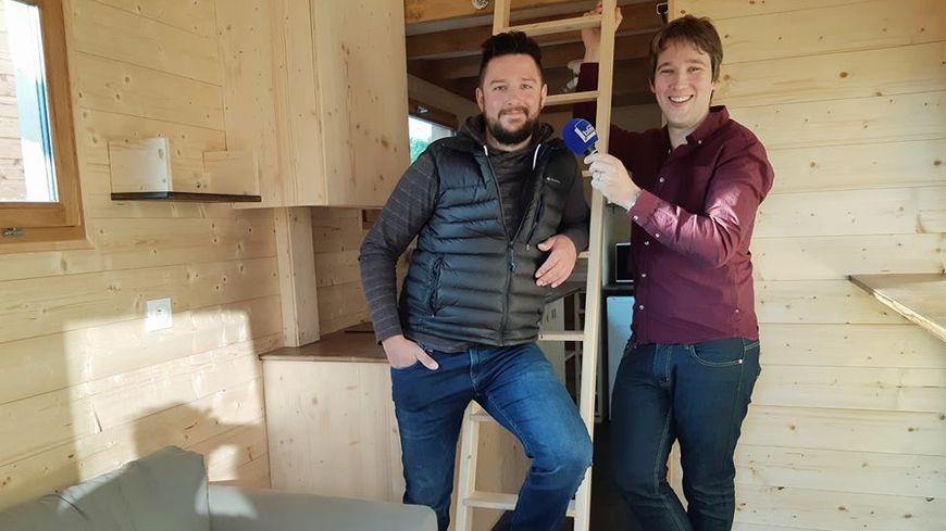 Alexis Laurent de Laurent Bois et Gauthier Paturo dans une Tiny House à Laigné.