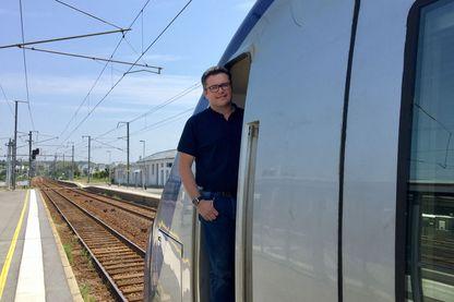 Bertrand Legendre cheminot, à bord de son automotrice Alstom Z21500.