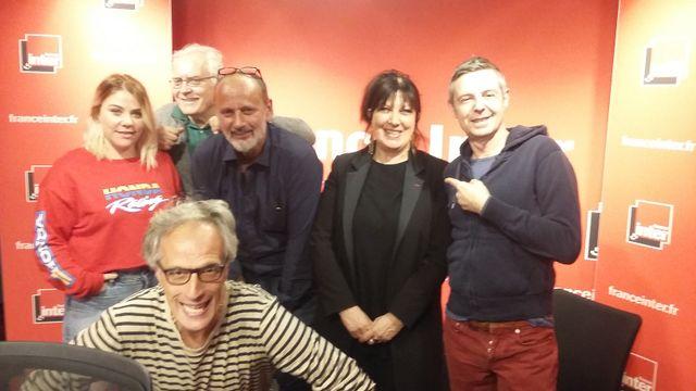 """""""Vous les Femmes"""", de gauche à droite : Sophie-Marie Larrouy, Albert Algoud, Daniel Morin, Marylène Patou-Mathis, Anthony Bellanger et Hervé Pauchon"""