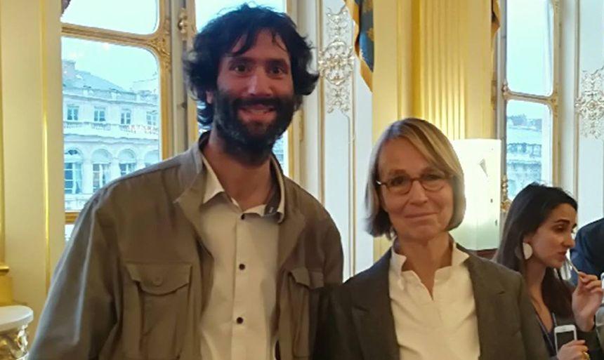 Mathieu Grandet, le directeur du Château de Mayenne, avec Françoise Nyssen