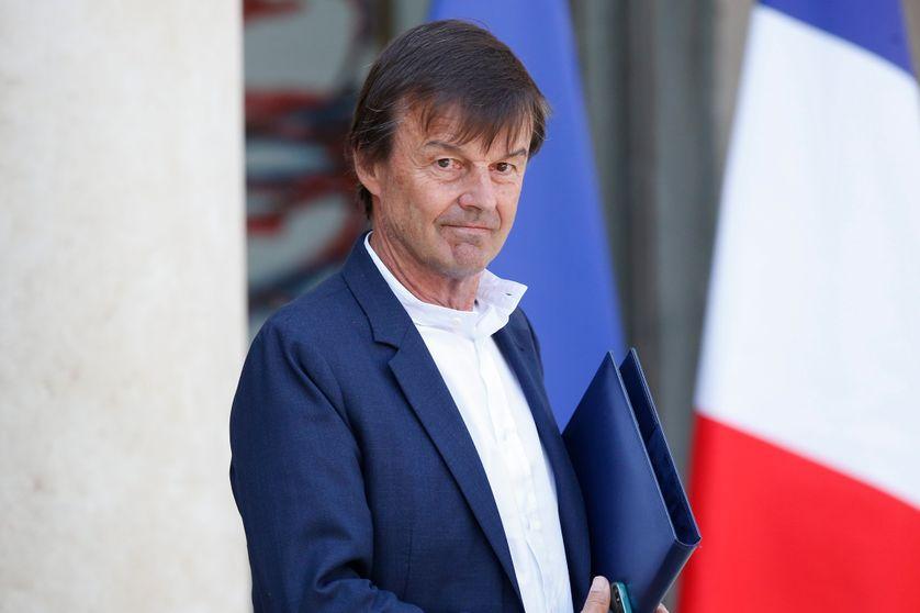 Nicolas Hulot à la sortie du Conseil des ministres, dans la cour de l'Élysée, le 9 mai 2018