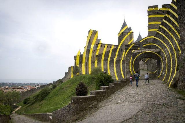A Carcassonne, une oeuvre de Felice Varini fait polémique