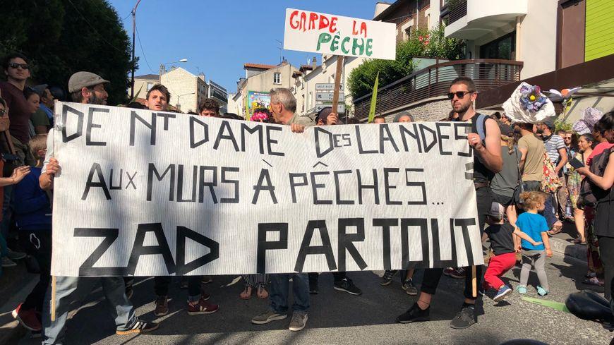 Plus d'un millier de personnes ont défilé à Montreuil contre un projet immobilier dans le quartier des murs à pêches
