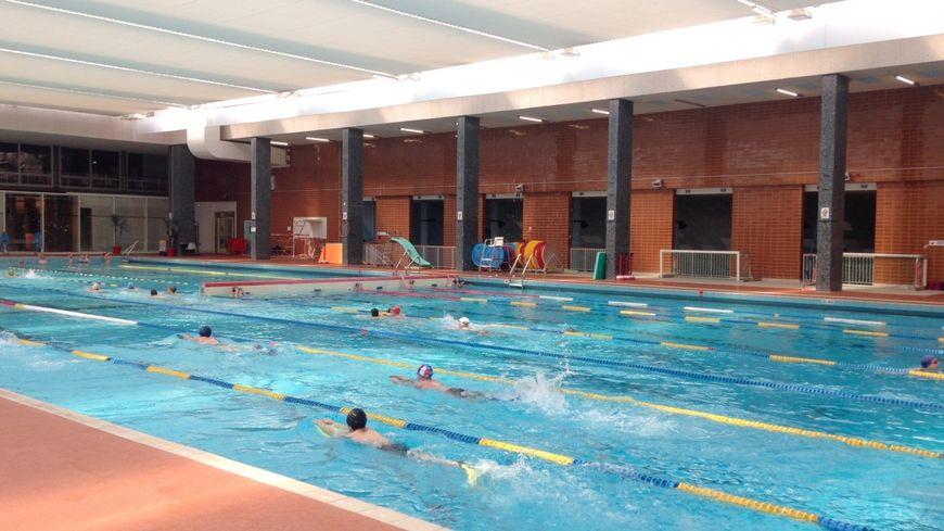 Cours de natation à la piscine Gilbert Bozon de Tours