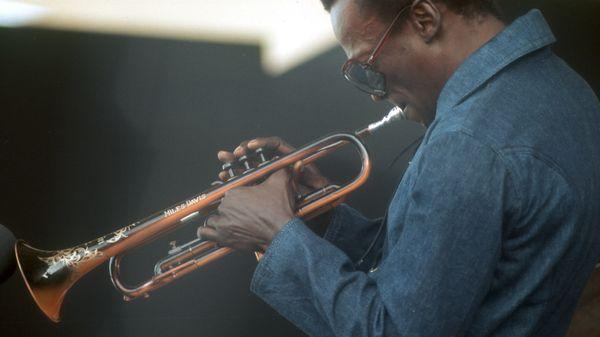 VIDÉO - Miles Davis, un artiste entier