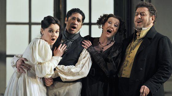 Les Noces de Figaro de Mozart, une mise en scène par David McVicar au Royal Opera de Londres, en 2012.