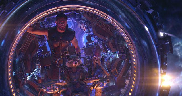 """Charlotte Lipinska : """"Il y a des punchlines !… Les répliques sont quand même assez drôles."""" (par exemple avec  les personnages de Thor (Chris Hemworth) et Rocket Raccoon)"""