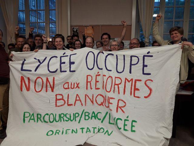 Occupation du lycée Voltaire dans le XIème arrondissement de Paris, mercredi 16 mai 2018.